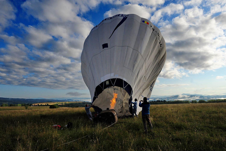 Zboruri cu balonul in Maramures