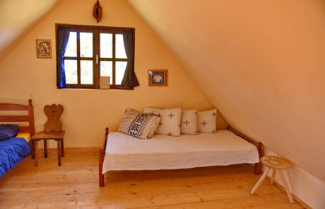 Camping Rural şi Hostel Babou